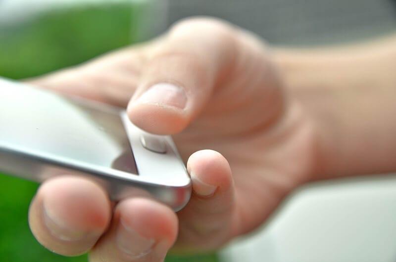 styr alarmer gennem app på telefonen